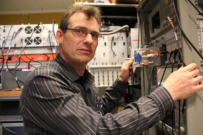 Gert Frølun Pedersen, Universidade de Aalborg , Dinamarca