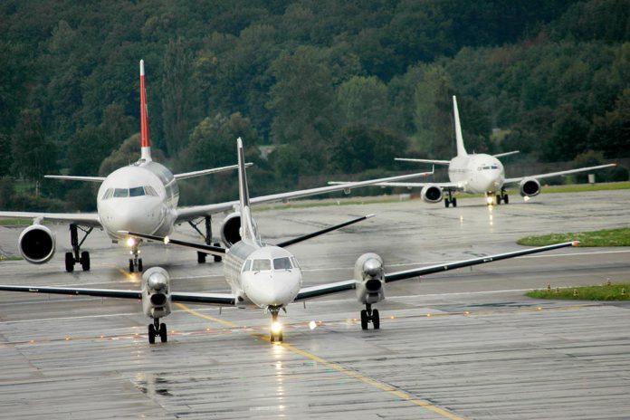 COVID-19: Companhias aéreas libertas de regras para faixas horárias