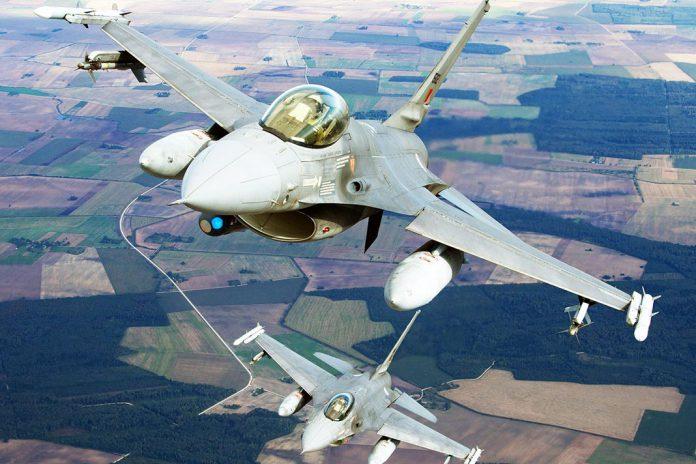 Caças F16