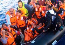 Polícia Maritima salva refugiados, na Grécia