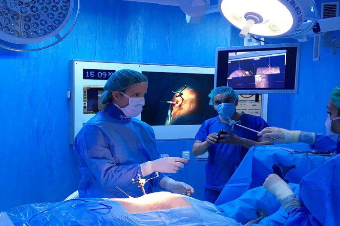 Cirurgia ortopédica por neuro-navegação