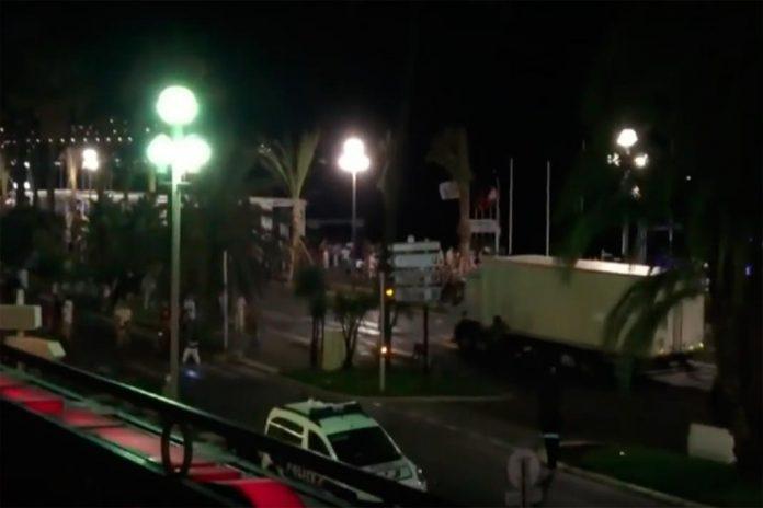 Ataque terrorista leva horror a Nice