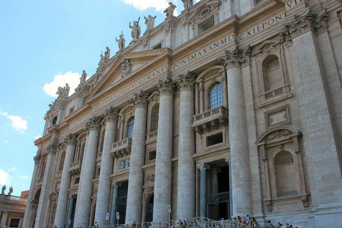 Papa indica rezar pelos que enfrentam a chaga do terrorismo