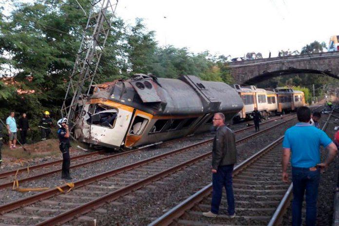 Acidente com comboio da CP na Galiza faz mortes