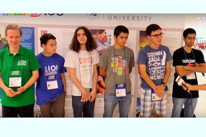 Equipa portuguesa às Olimpíadas Internacionais de Informática, em Kazan, na Russia