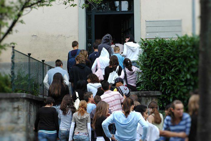 Sucesso escolar aumenta com mães mais escolarizadas