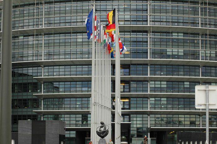 Eurodeputados não aceitam atual acordo sobre orçamento da UE