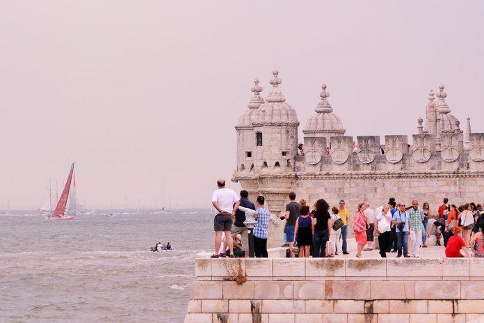 Receitas turísticas crescem mais mil milhões em 2016