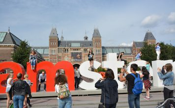 Amesterdão escolhida para receber sede da EMA