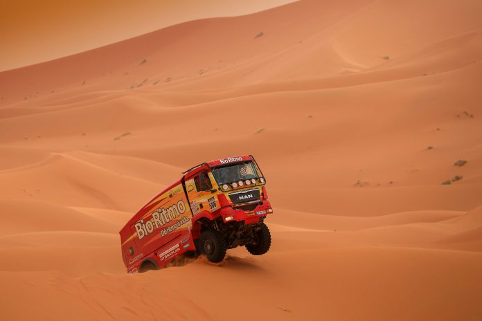 Elisabete Jacinto na quarta etapa do Morocco Desert Challenge