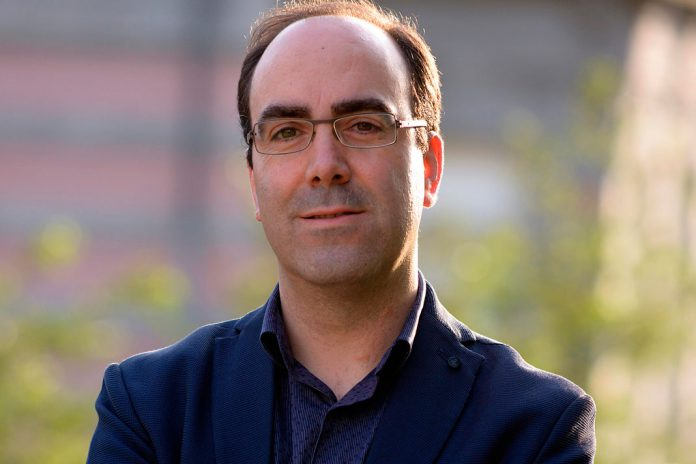 Daniel Bastos, Historiador e Escritor