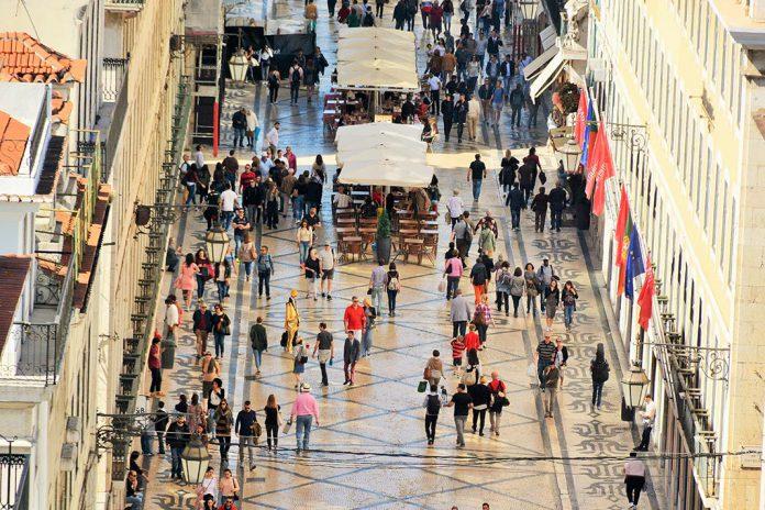 Receitas do turismo sobem 13% em fevereiro