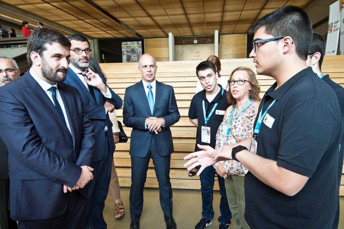 Final da 'Apps for Good' na Fundação Calouste Gulbenkian, Ministro da Educação, Tiago Rodrigues, à esquerda