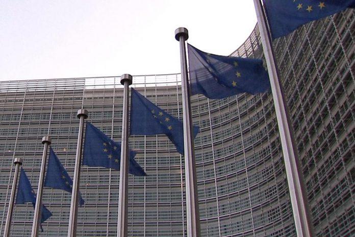COVID-19: Conselho Europeu aprova 100 mil M€ para atenuar riscos de desemprego