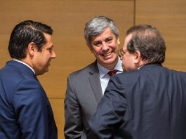 Mário Centeno, Ministro das Finanças, (ao centro), no ECOFIN