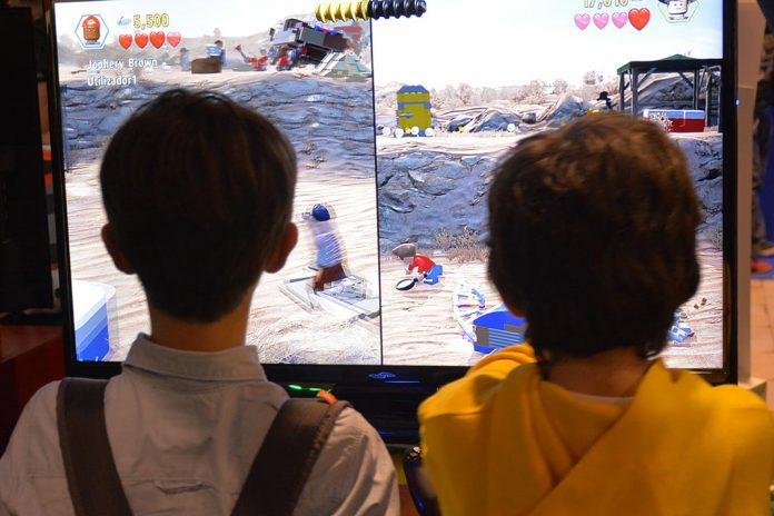 Jovens em jogos eletrónicos