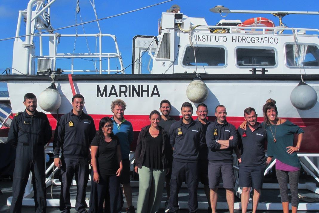 Equipa de hidrografia e investigadores e alunos da Universidade dos Açores