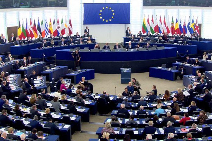 Presidente do Parlamento Europeu vai ser italiano: Tajani ou Pittella