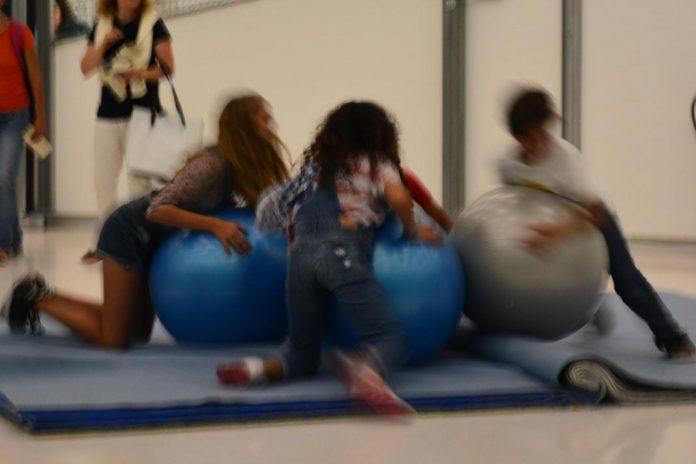 Crianças a brincar (imagens de arquivo)