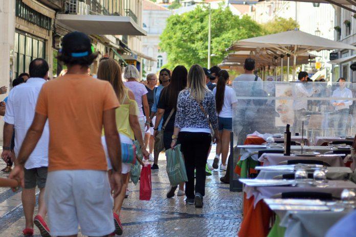 Comércio a retalho diminui em agosto em Portugal