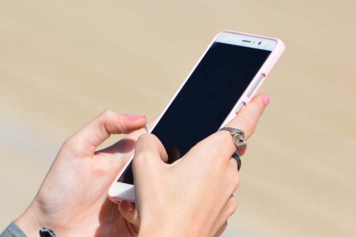 Mais de 60% dos consumidores chineses online utilizam dispositivos móveis
