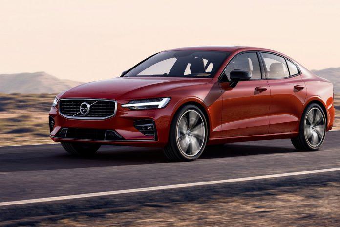 Volvo lança no novo sedan S60