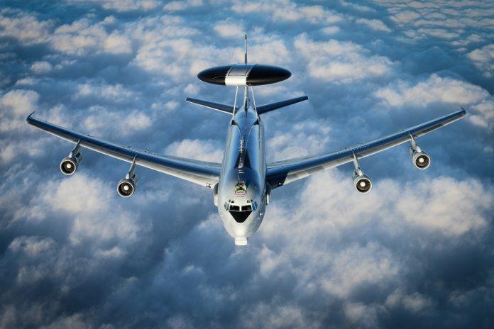 Boeing conclui atualizações da frota de AWACS da NATO