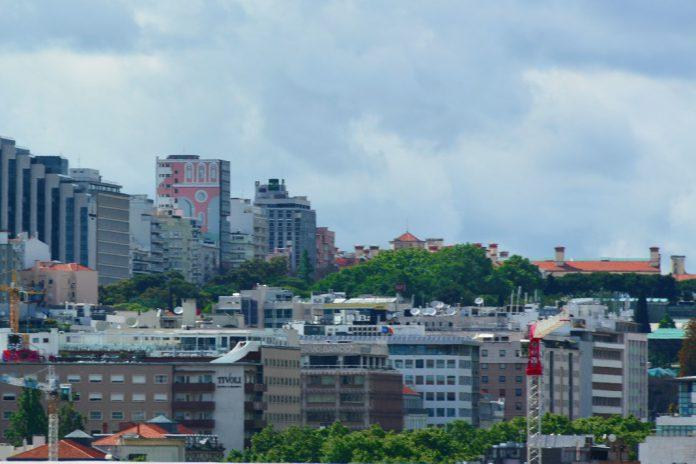 Brasileiros aumentam aquisições na imobiliária RE/MAX Collection
