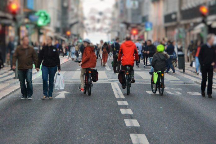 Festas de fim de ano condicionam trânsito na baixa de Lisboa