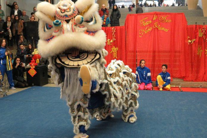 Dança do Leão, comemorações do Novo Ano Chinês