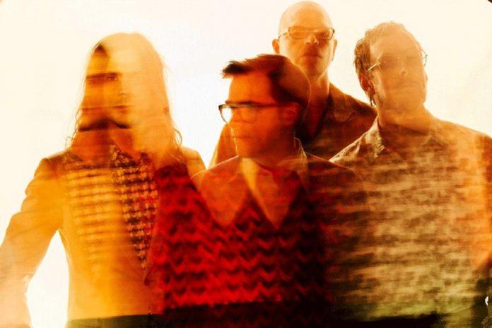 """Weezer trazem ao NOS Alive 2019, a 11 de julho, o novo """"Black Album"""""""