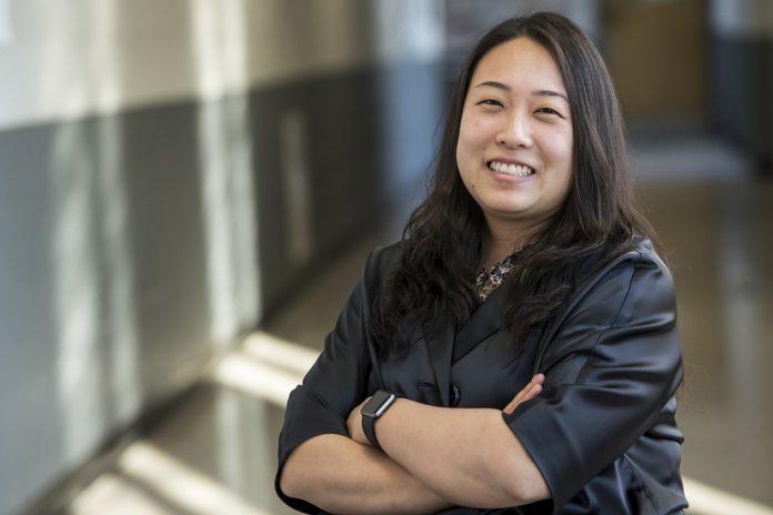Jennifer Choi Tudor, da Universidade Saint Joseph da Filadélfia