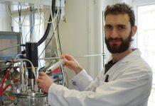Produção digital de penicilina, Julian Kager