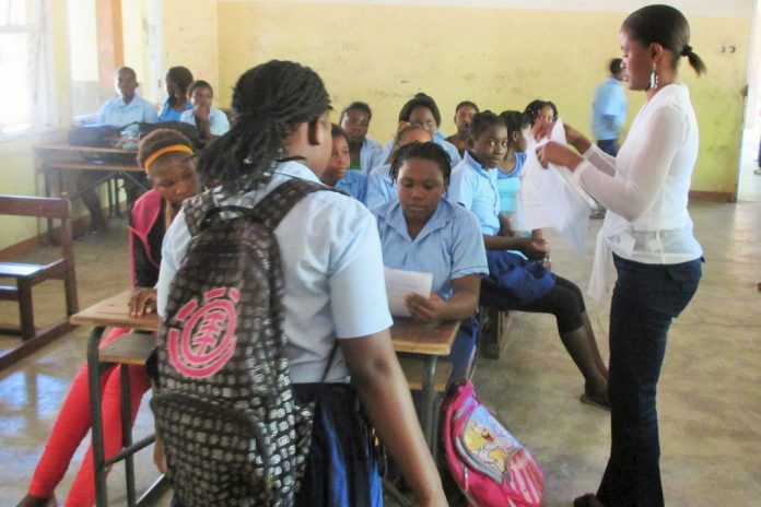 Adolescentes moçambicanas pretendem vacina contra Vírus do Papiloma Humano