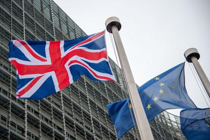 Brexit: publicado o projeto de Acordo UE-Reino Unido