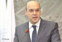 Ministro da Economia visita Angola para avaliar cooperação económica