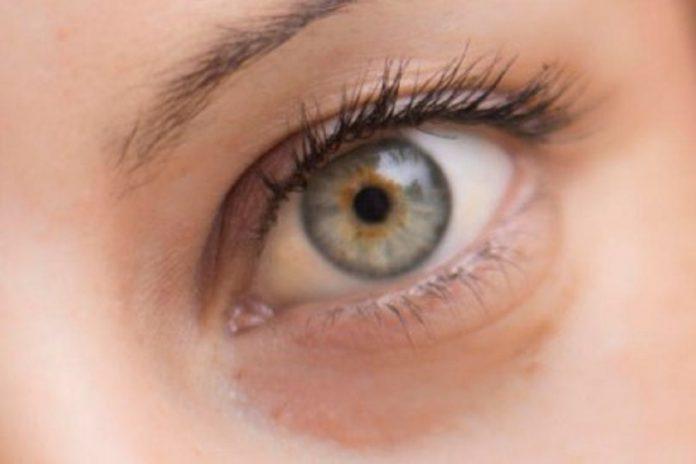 Alterações da córnea do olho mostram efeitos da COVID-19 a longo prazo