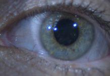 Uso de lentes de contacto é seguro e óculos não protegem do coronavírus