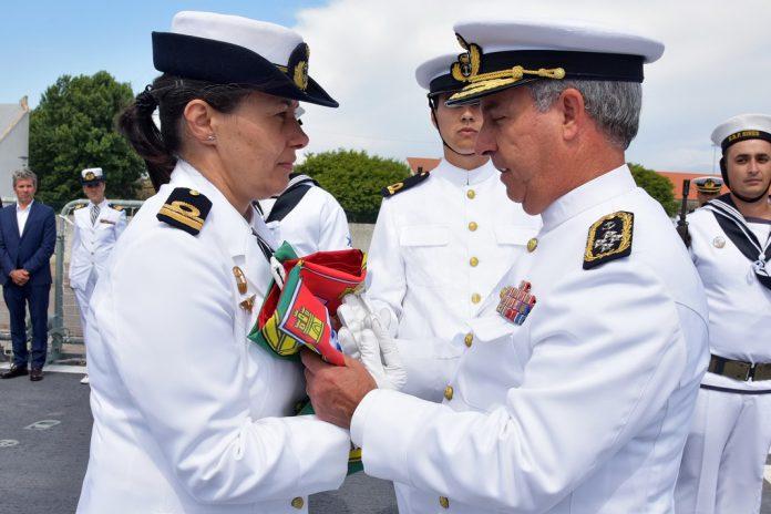 Capitão-tenente Mónica Martins comanda o novo navio da Marinha, o NRP Sines