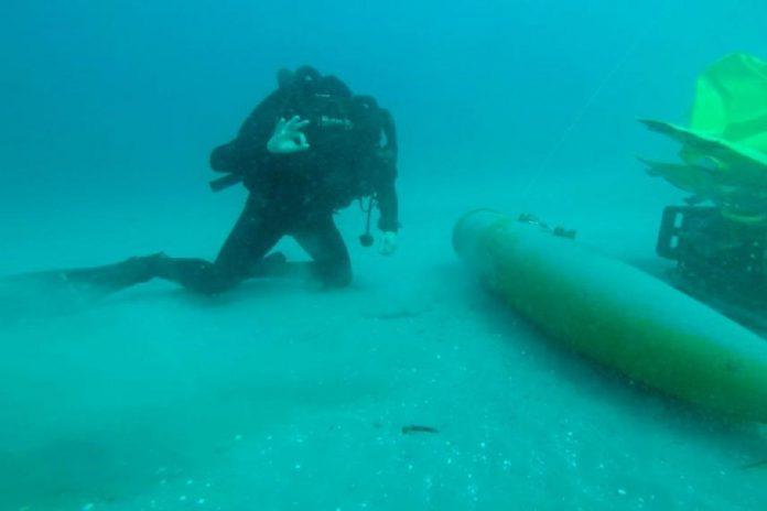 Mergulhadores da Marinha treinam guerra de minas em Espanha