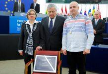 PE galardoa cineasta ucraniano Oleg Sentsov com prémio Sakharov