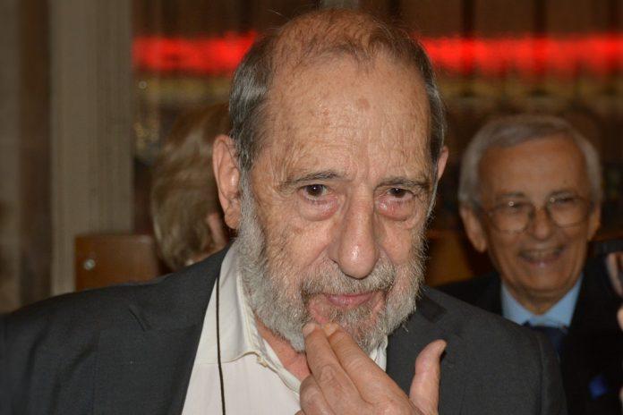 Álvaro Siza Vieira distinguido com Medalha de Mérito da U.Porto