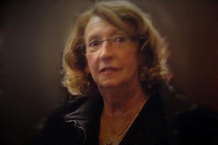 Helena Almeida, consagrada artista plástica, morreu