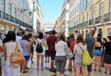 Mais 27 migrantes do Aquarius chegam a Portugal