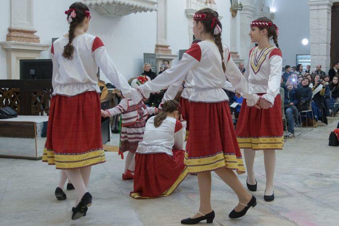 Viagem pela Ucrânia com artistas e público de Leiria