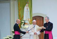 Museu de Leiria expõe Rosas de Ouro oferecidas pelos Papas a Fátima