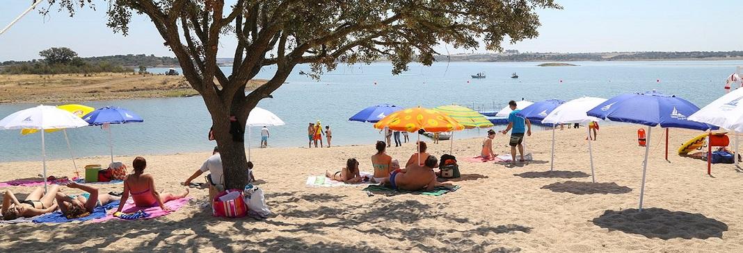 Praia fluvial de Monsaraz é a primeira, do interior, a hastear a bandeira azul