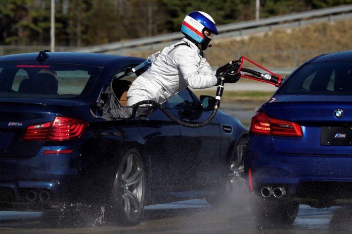 BMW 5 bate Guinness World Records de percurso à deriva