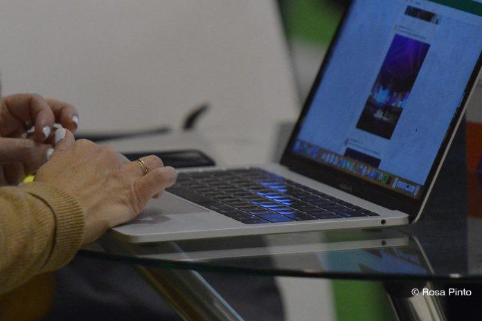 Ministério da Educação disponibiliza 100 mil computadores para escola digital