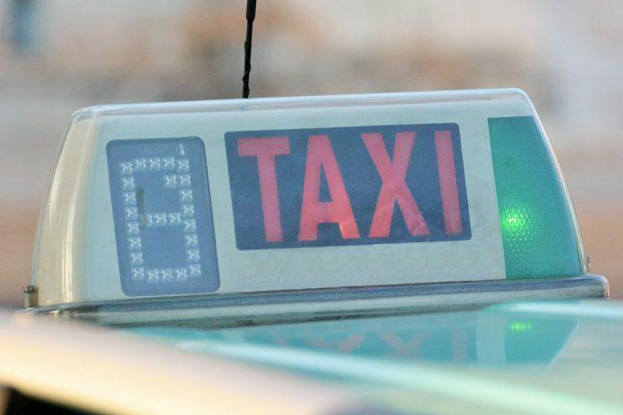 Câmara de Lisboa paga o táxi para vacinação COVID